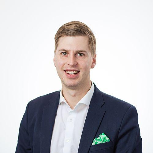 Seinäjoki keskustan yritysasiantuntija Olli-Jussi Sariolan yhteystiedot yhteydenottoa varten