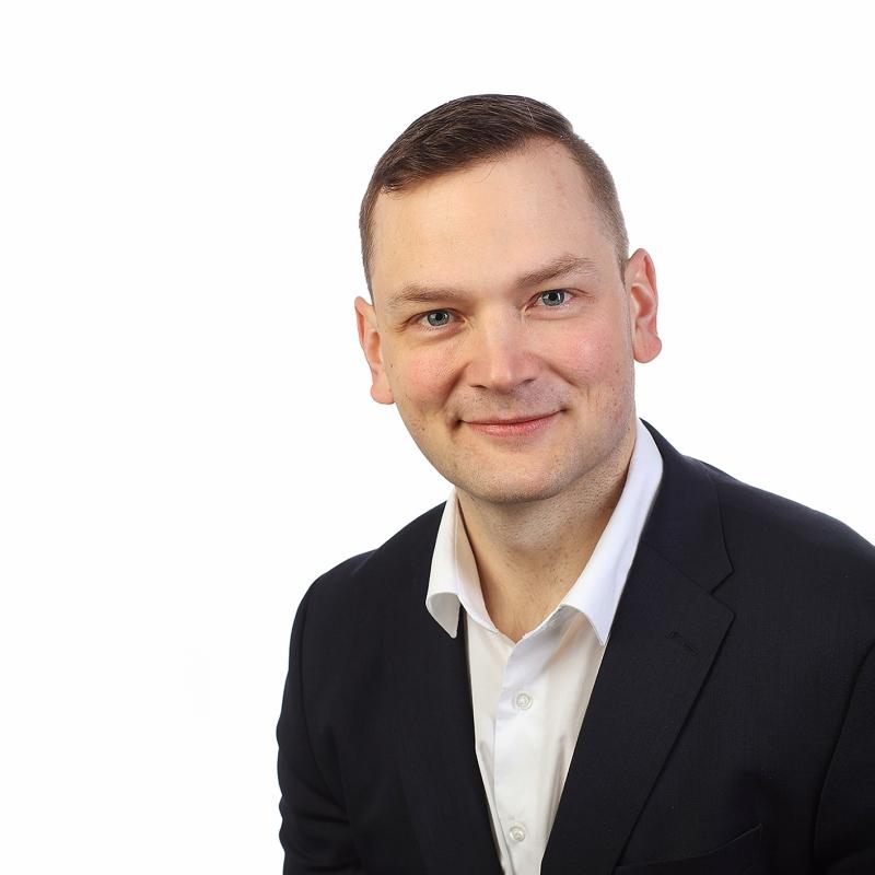 Kankaanpään palveluneuvoja Karo Riihimäen yhteystiedot yhteydenottoa varten