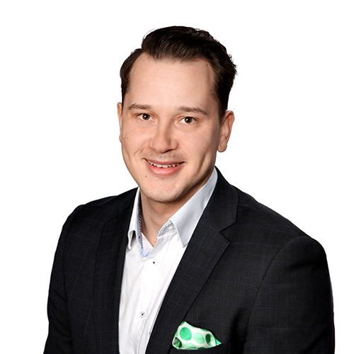 Joensuun rahoituspäällikkö Igor Koksun yhteystiedot yhteydenottoa varten