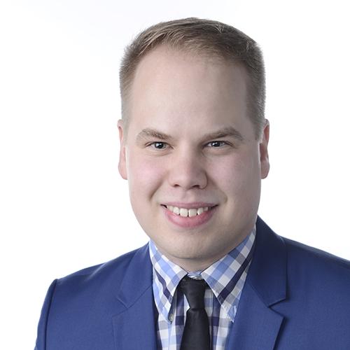 Parkanon palvelupäällikkö Karri Kuhalammen yhteystiedot yhteydenottoa varten