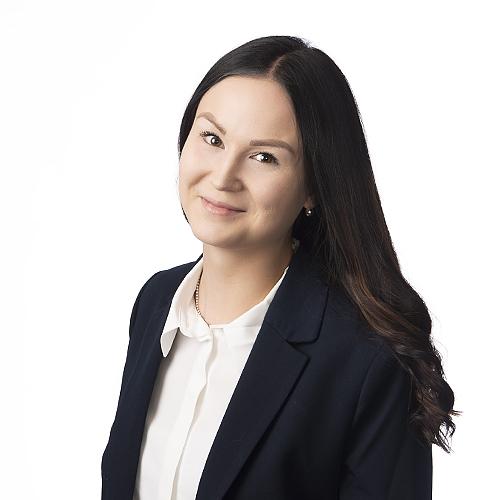 Ideaparkin palveluneuvoja Riina Karhun yhteystiedot yhteydenottoa varten