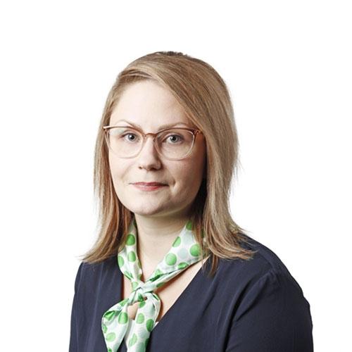 Kuvassa Henna Myllymäki