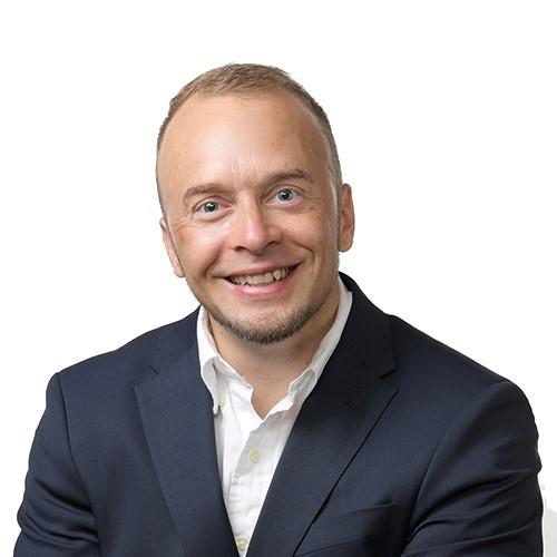 OmaSp:n varatoimitusjohtaja ja asiakasliiketoiminnanjohtaja Pasi Turtion yhteystiedot yhteydenottoa varten
