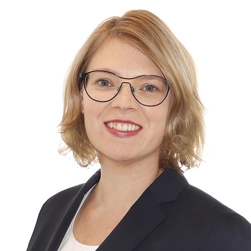 Alavuksen Tuurin palveluneuvoja Jenni Vainionpään yhteystiedot yhteydenottoa varten