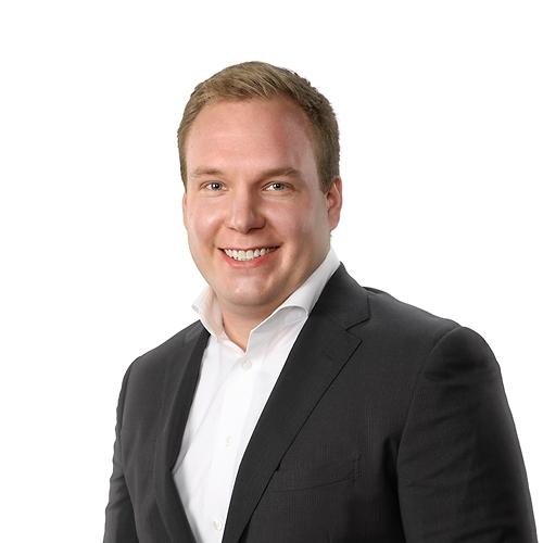 Juhani Martikainen, Controller.