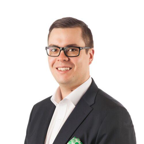 Alavuksen Tuurin palveluneuvoja Tuomas Tuppuraisen yhteystiedot yhteydenottoa varten