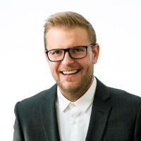 Akaan palvelupäällikkö Jani Taskisen yhteystiedot yhteydenottoa varten